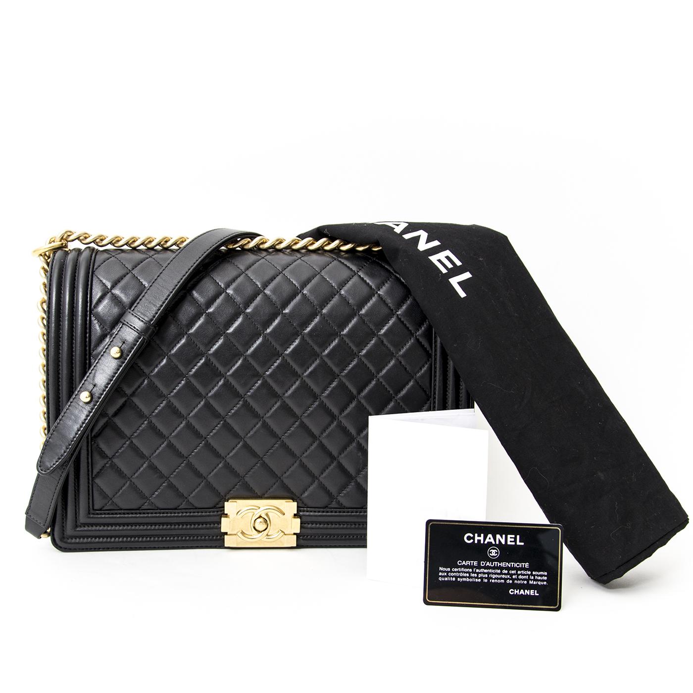 koop veilig online aan de beste prijs Chanel Large Black Lambskin Boy GHW online webshop labellov.com België, Antwerpen
