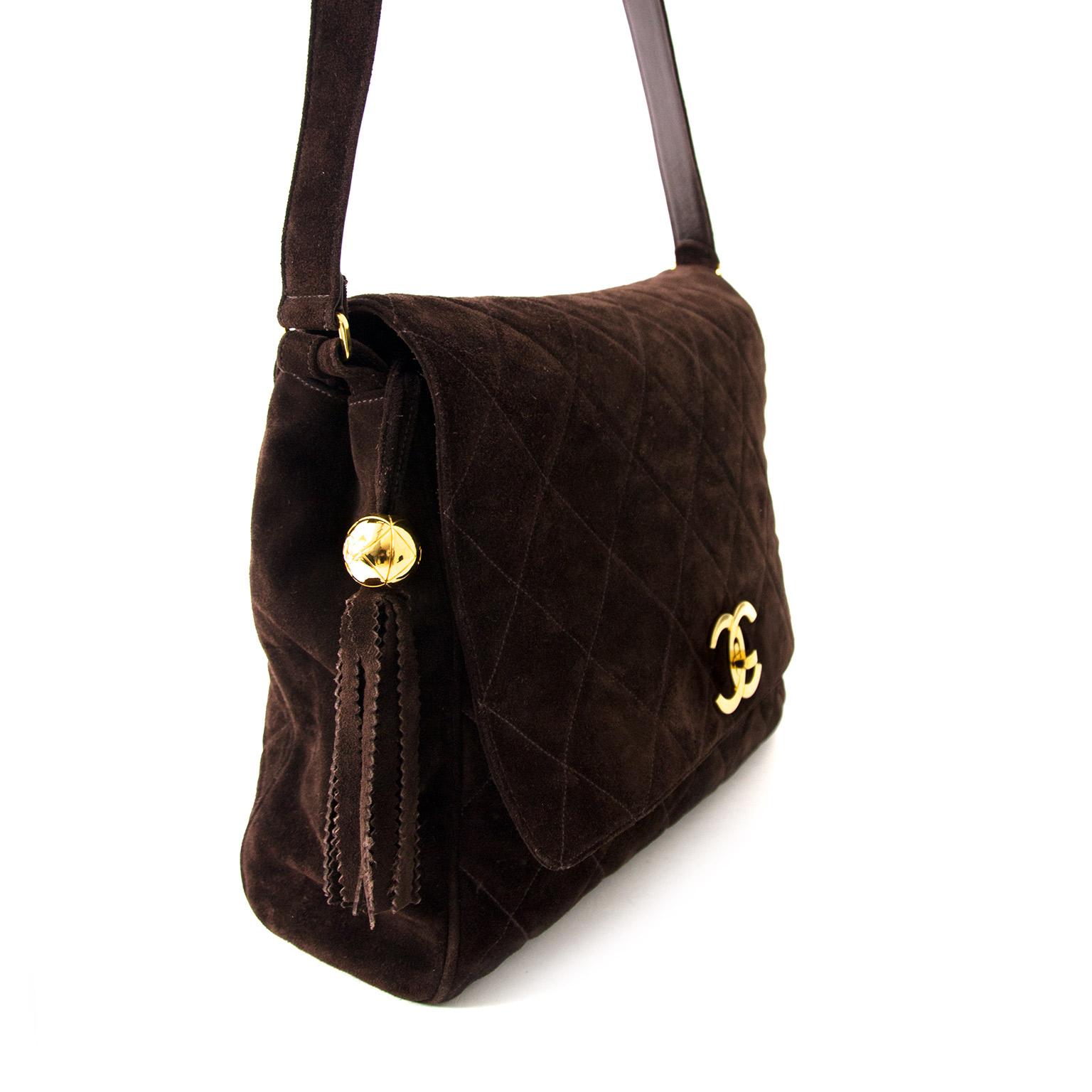 e54b42d63a5f ... acheter enligne Chanel Brown Suede Messenger Bag pour le meilleur prix