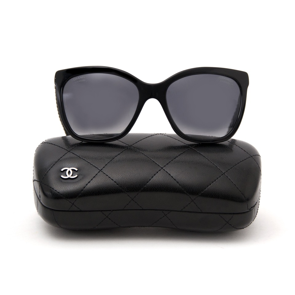 Buy and sell your preloved designer sunglasses for the best rates online at Labellov luxury