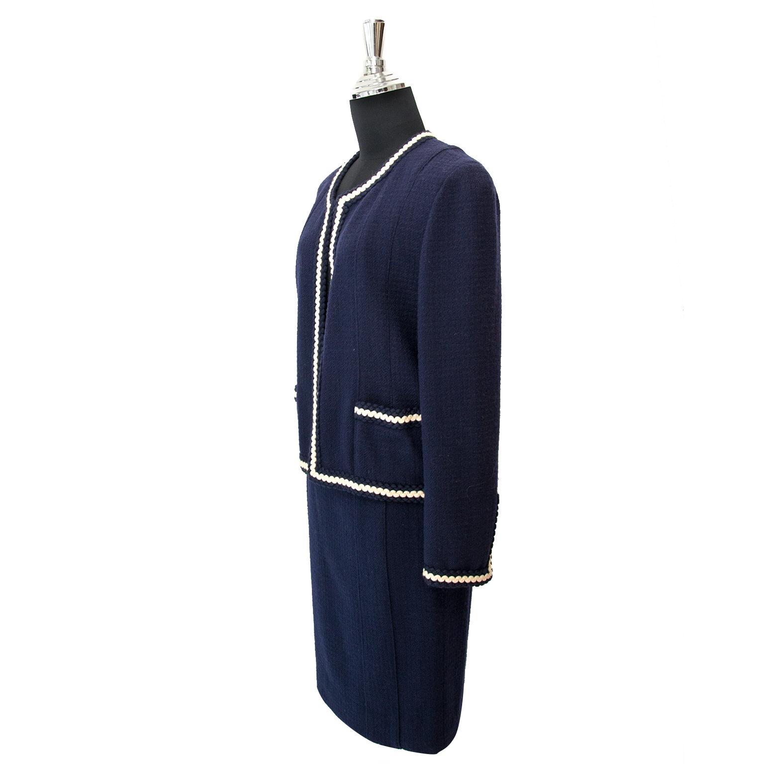 Acheter sans risque Chanel Tailleur Set on www.labellov.com au meilleur prix et assurez-vous d'autheticité