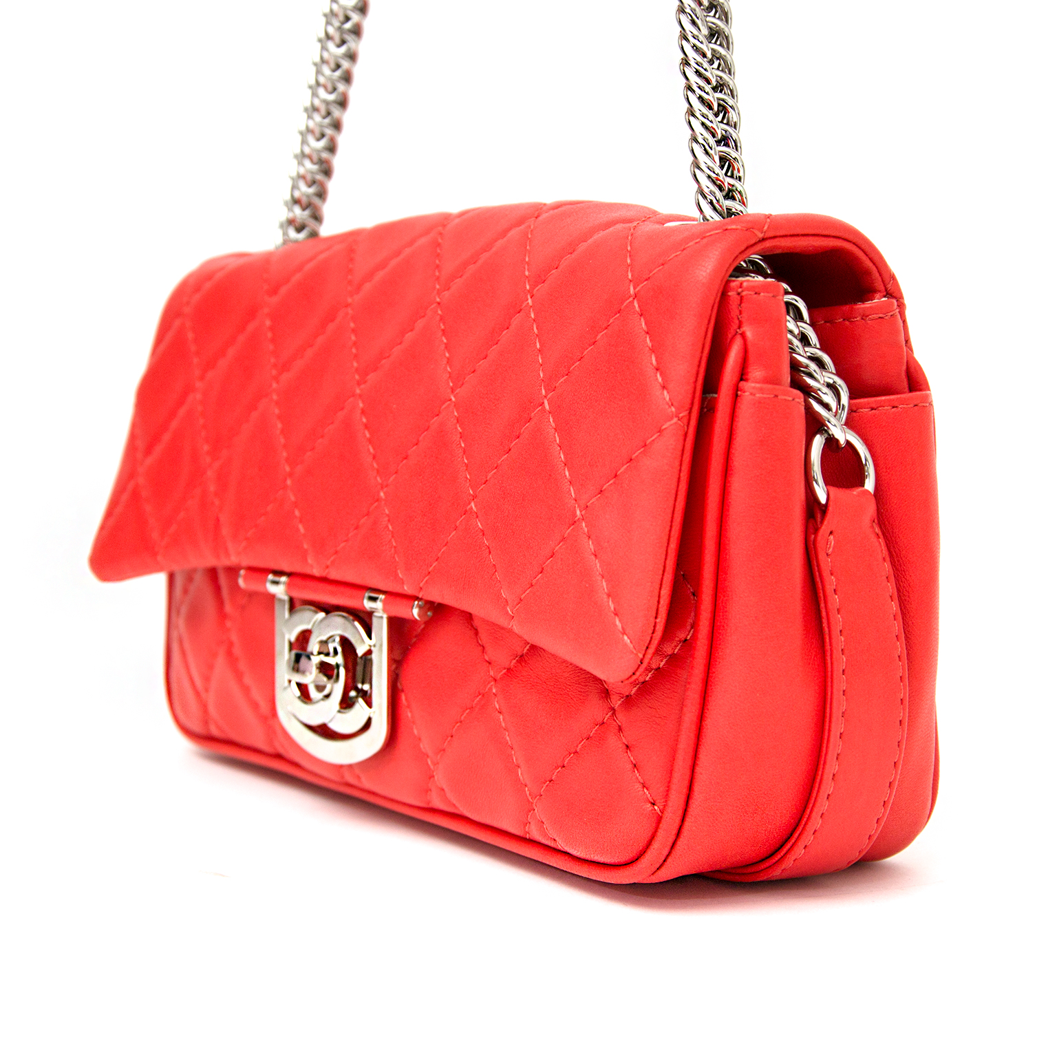523cfc620be9 ... labellov.com shop safe online at the best price chanel icons red flap  bag like new webshop www