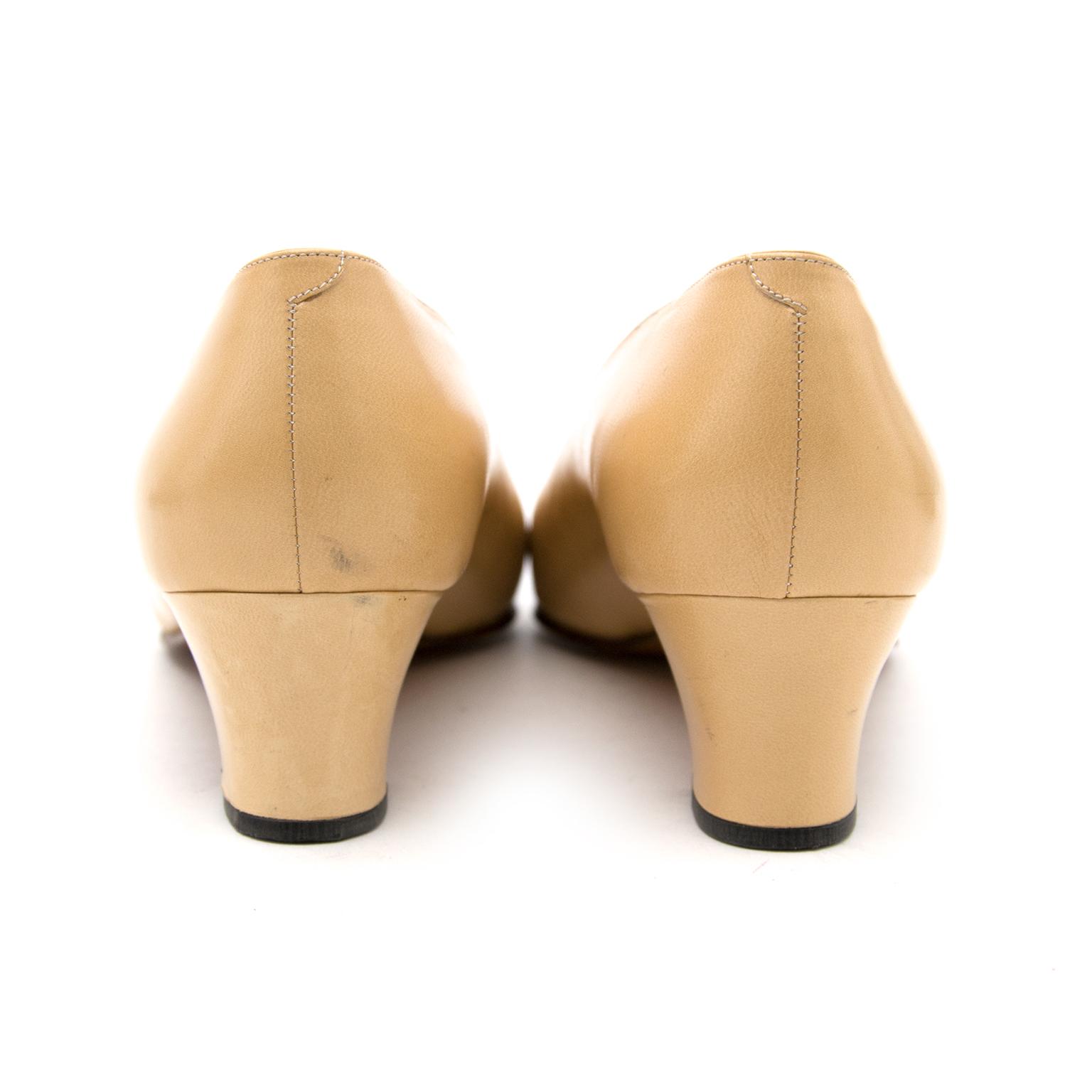 Acheter secur en ligne votre chaussures Chanel en cuir pour le meilleur prix