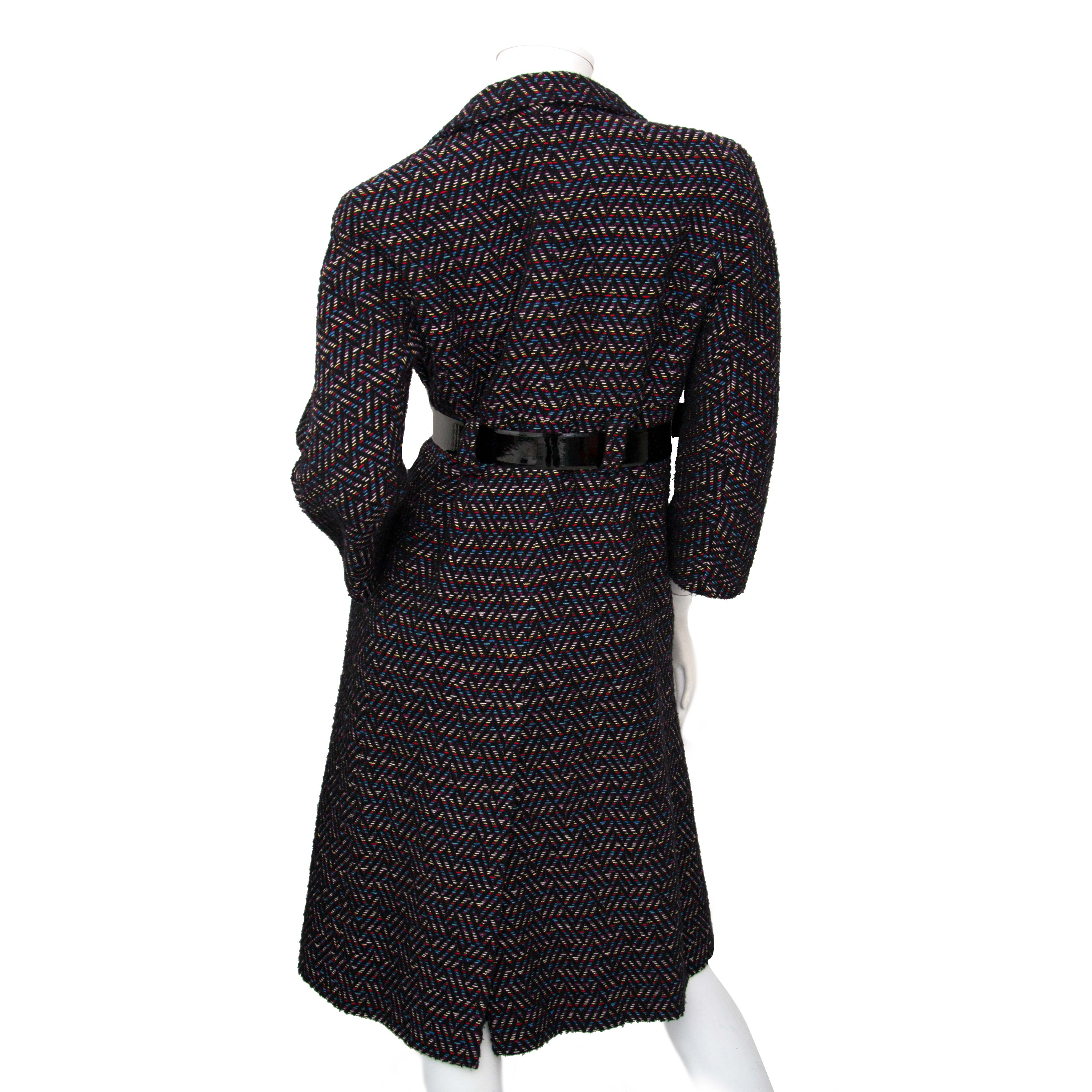 Are you looking for an authentic Chanel Tweed Coat ? Buy safe online at Labellov