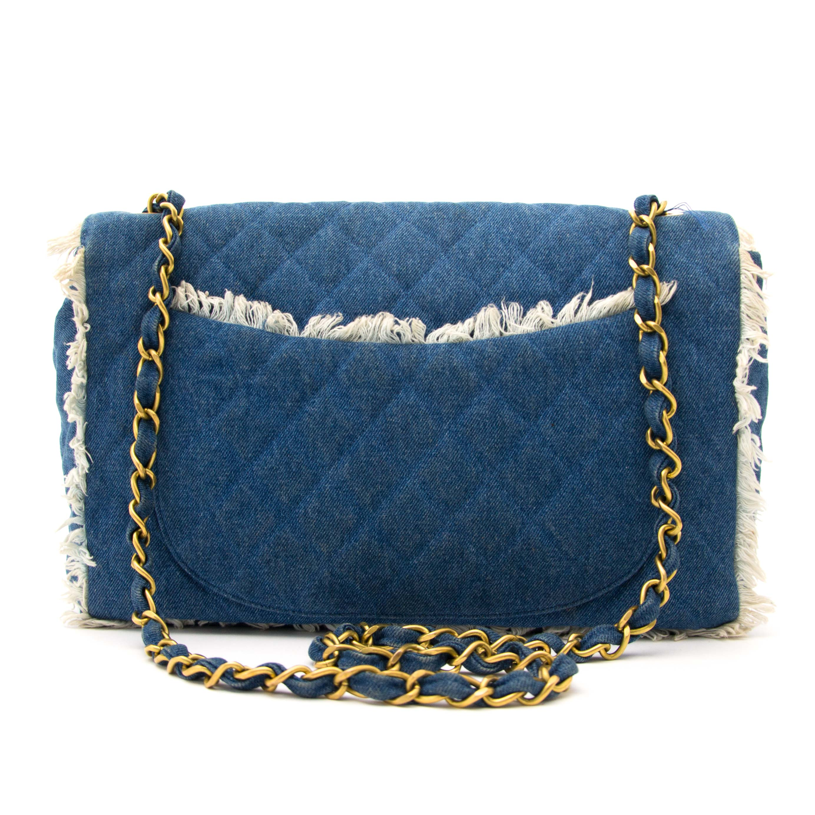 Koop authentieke Chanel 1990s Quilted Blue Denim Fringe Edge Flap Bag