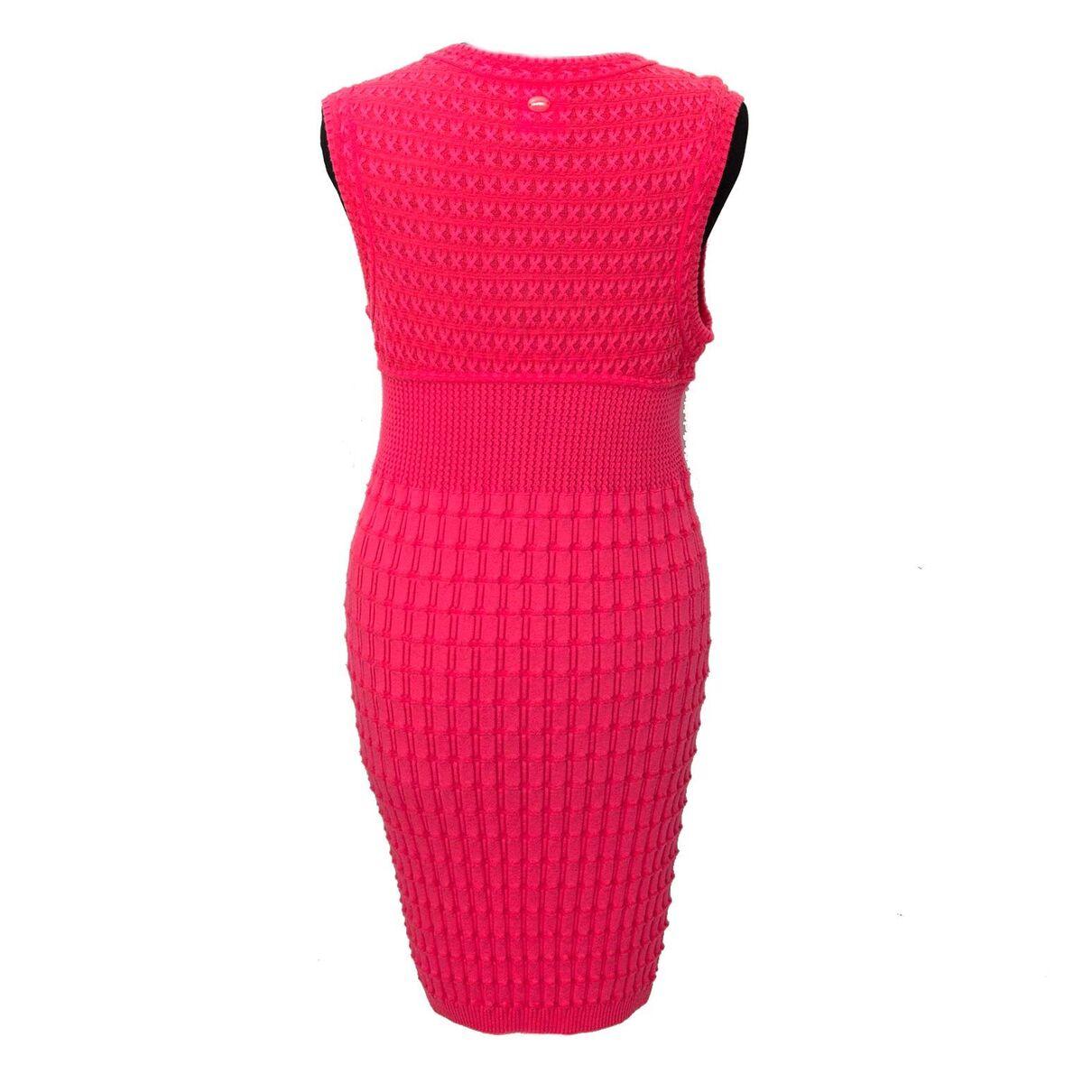 Koop authentieke tweedehands Chanel Dark Pink Dress  aan een eerlijke prijs bij LabelLOV. Veilig online shoppen.
