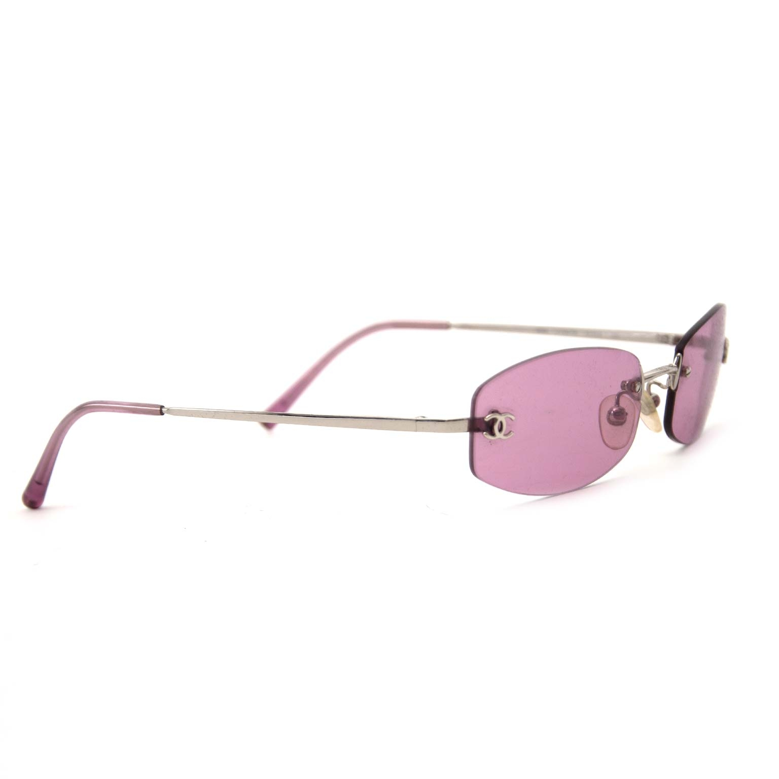 Buy secondhand authentic chanel pink sunglasses for less at Labellov, vintage webshop. Safe and secure shopping.