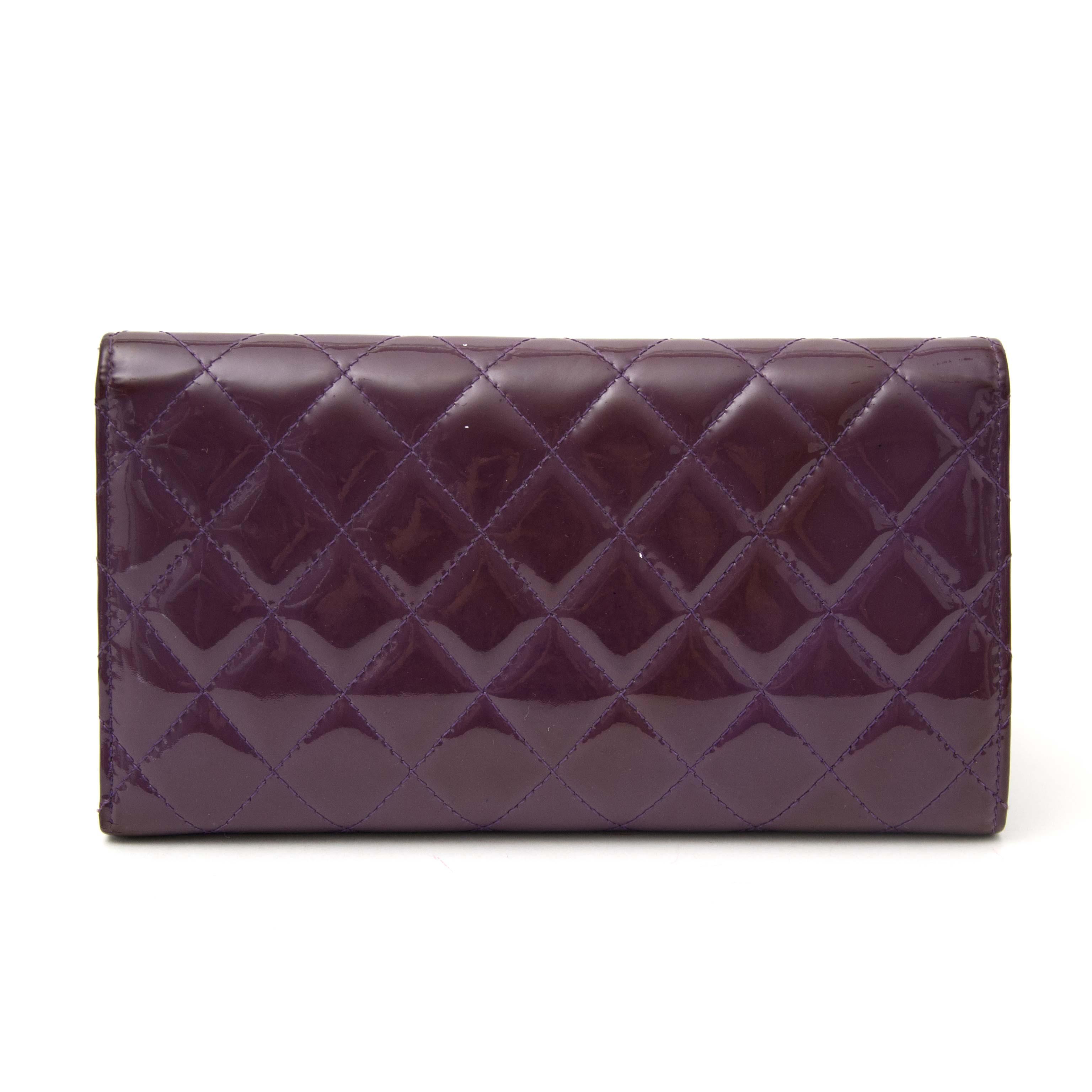Koop uw authentieke portefeuille van Chanel online bij Labellov