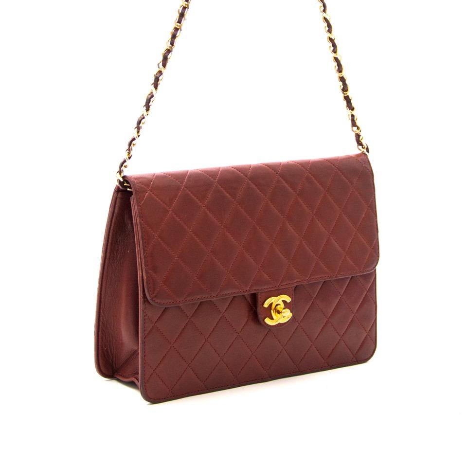 Acheter secur en ligne votre sac a mains Chanel en cuir burgundy pour le meilleur prix