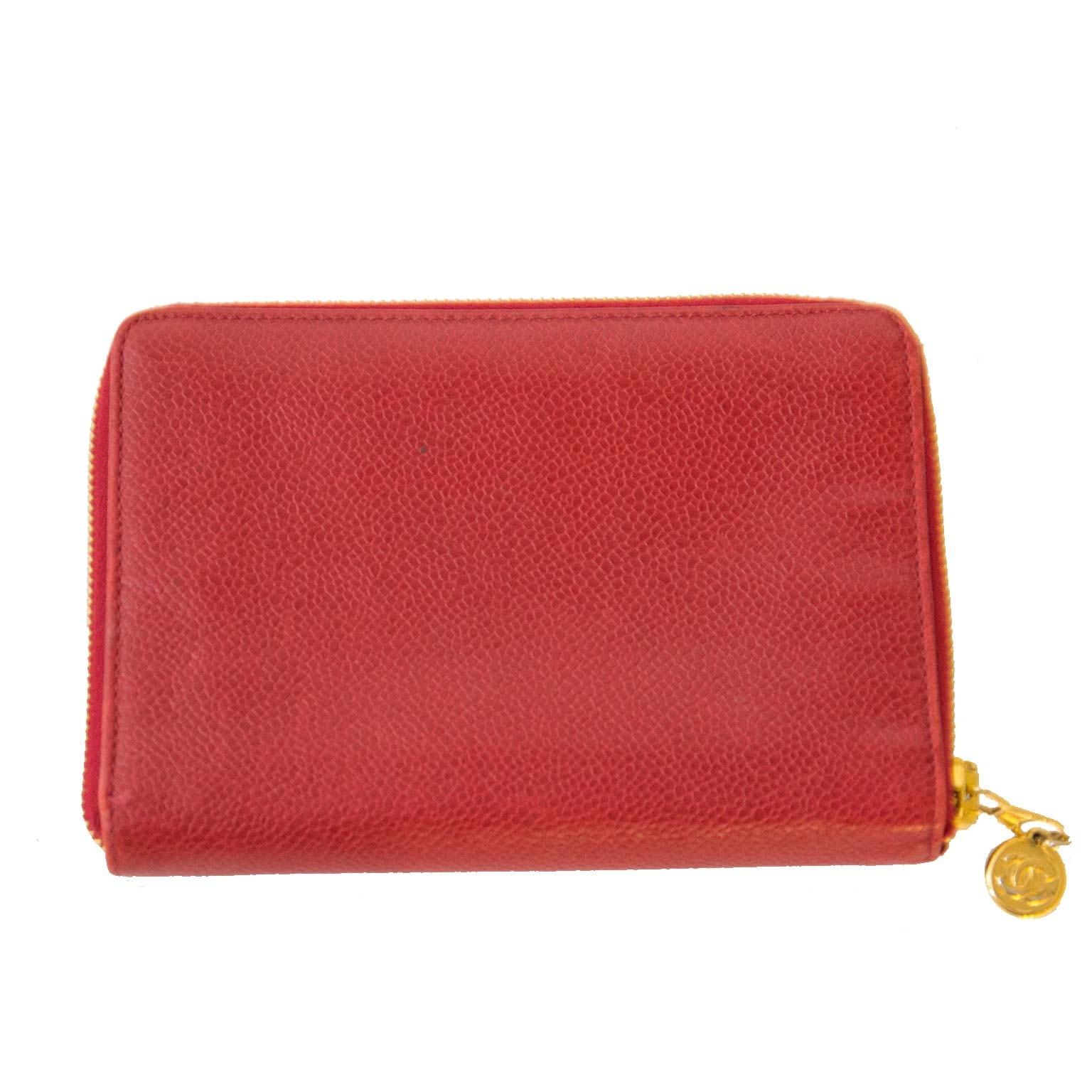 Chanel red caviar leather zip around wallet now for sale at labellov vintage fashion webshop belgium