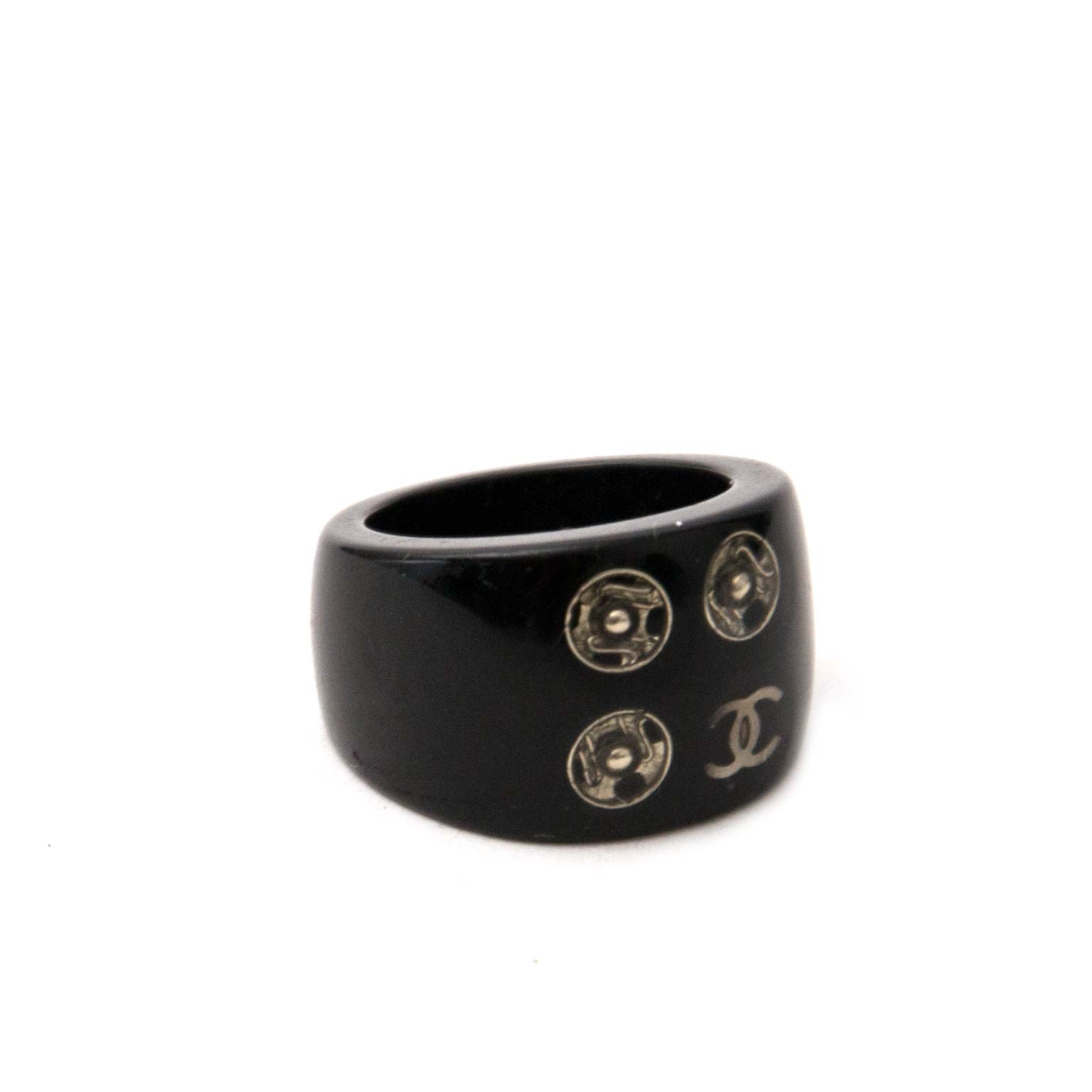 chanel black cc ring now online at labellov.com for the best price
