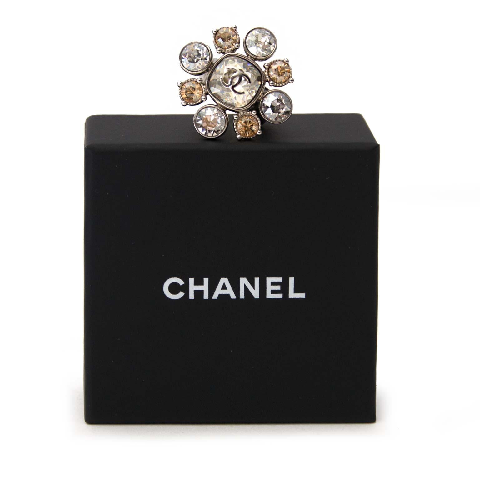 shop safe online your secondhand Chanel Christal Flower Ring