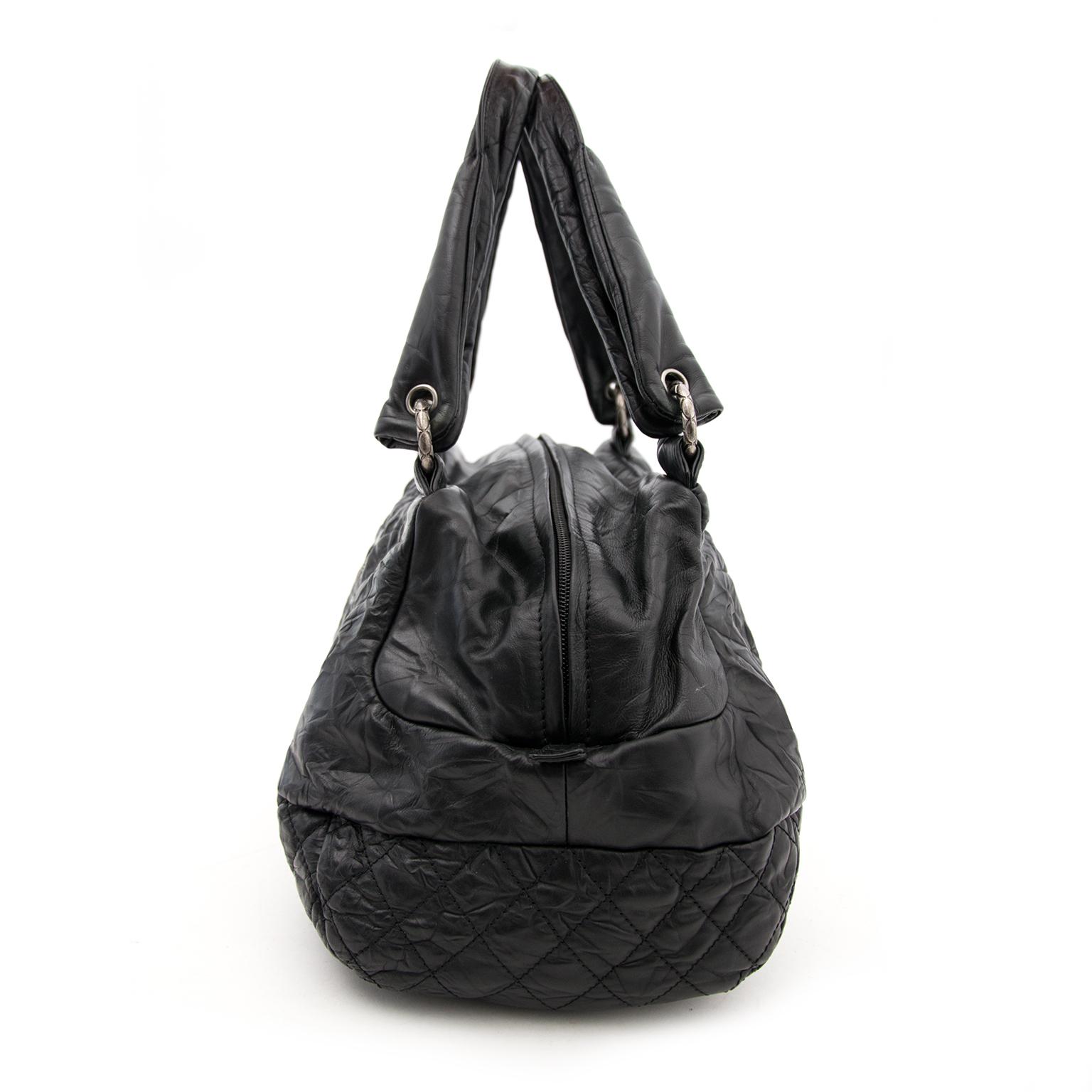 Koop nu zonder risico een zwarte Chanel Hobo tas aan de beste prijs op www.labellov.com
