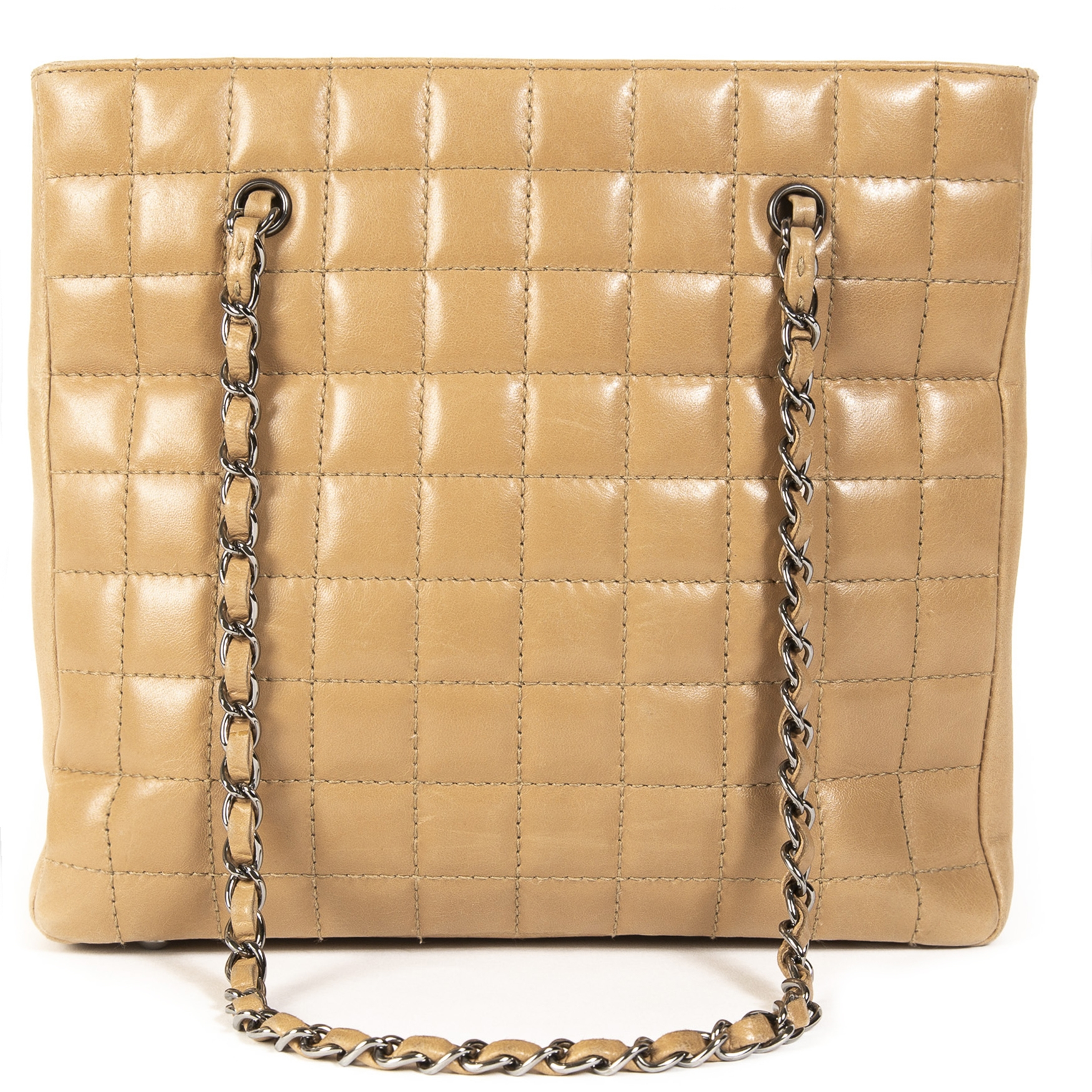 d677358486d0 Labellov Just In ○ Buy and Sell Authentic Luxury