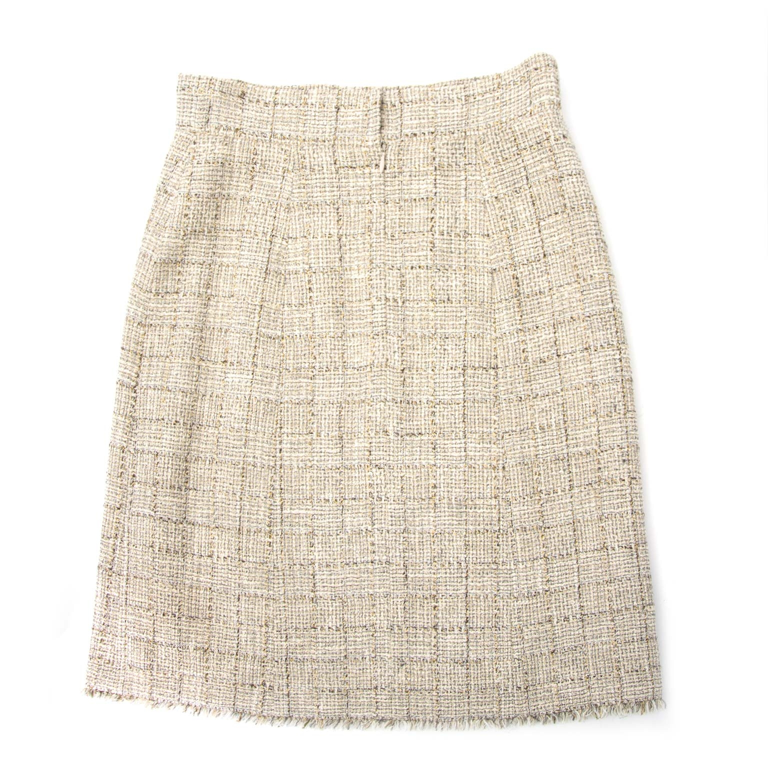 Buy your authentic designer Chanel skirt for less at Labellov. Safe and secure shopping.