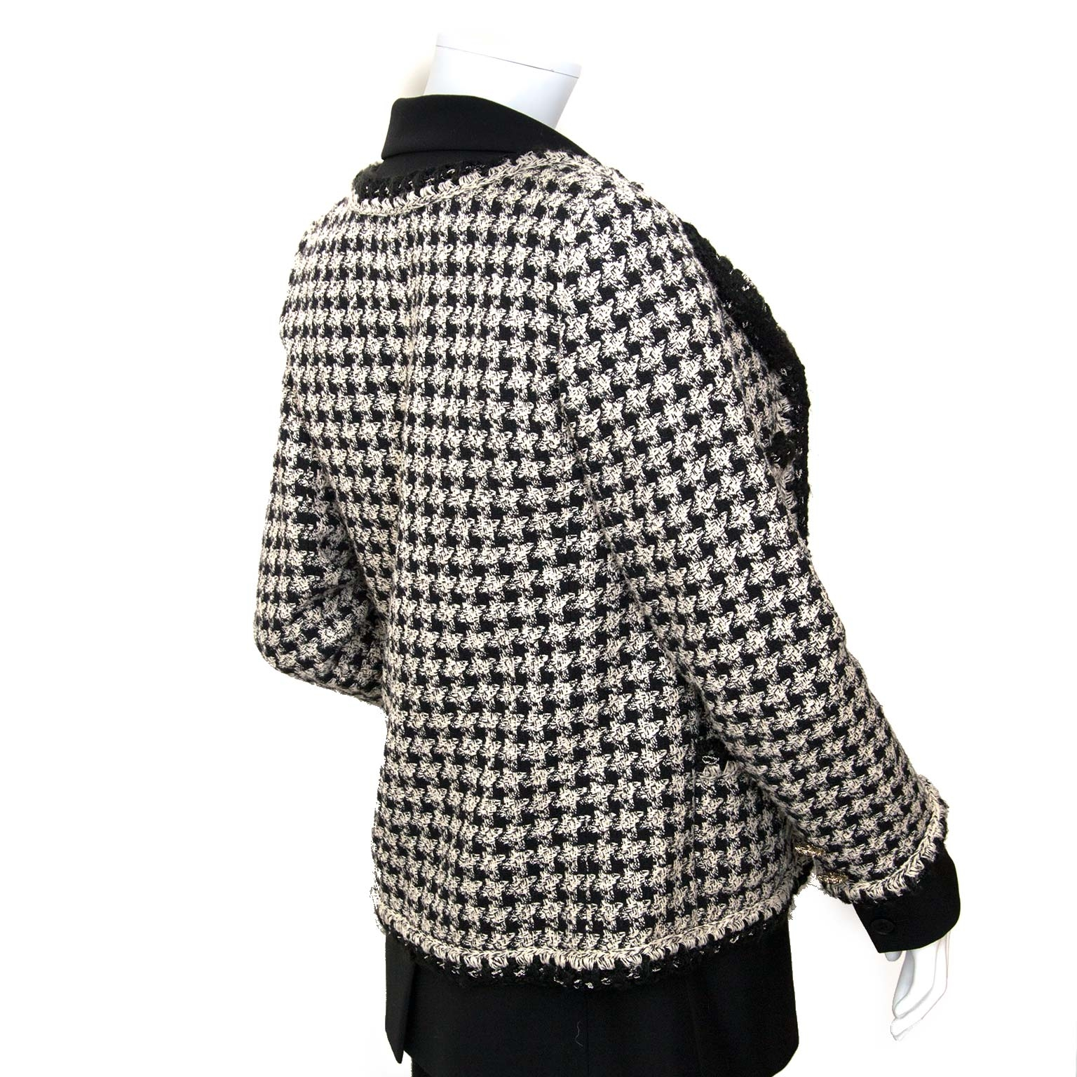 seconhand Chanel Trompe L'Oeil Tweed Blazer Jacket - size FR38 for sale at labellov