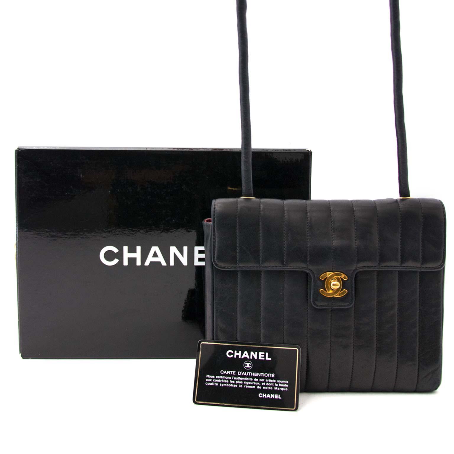 koop online aan de beste prijs Chanel Vintage Black Shoulder bag