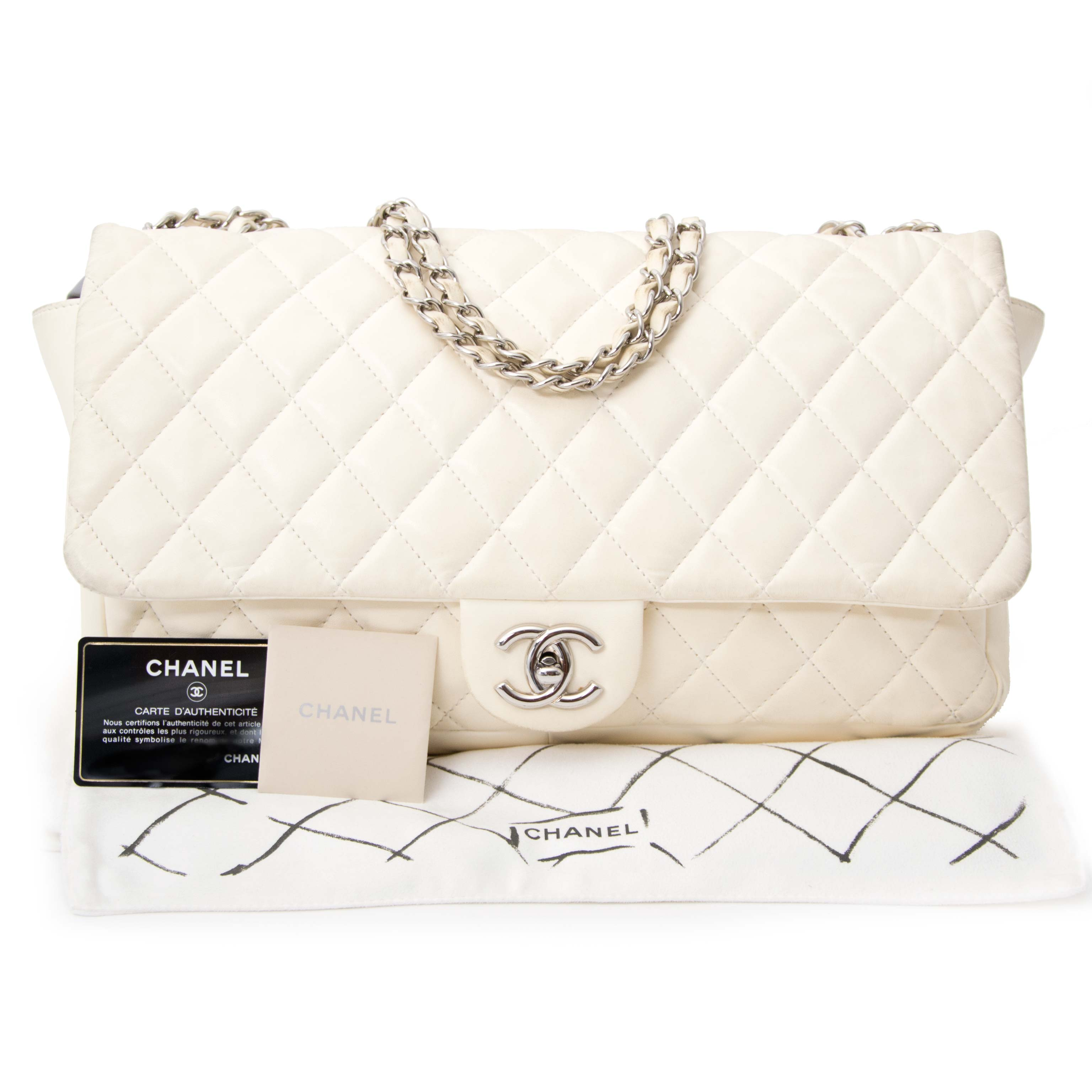 Authentic secondhand bag Chanel at Labellov