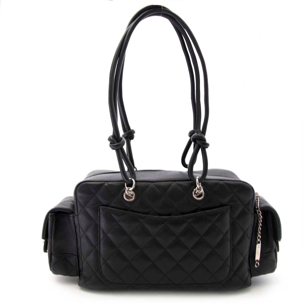 Koop authentieke tweedehands Chanel tassen aan een eerlijke prijs bij LabelLOV. Veilig online shoppen.