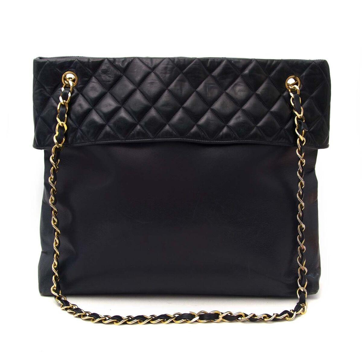 Koop authentieke tweedehands Chanel blauwe shopper aan een eerlijke prijs bij LabelLOV. Veilig online shoppen.