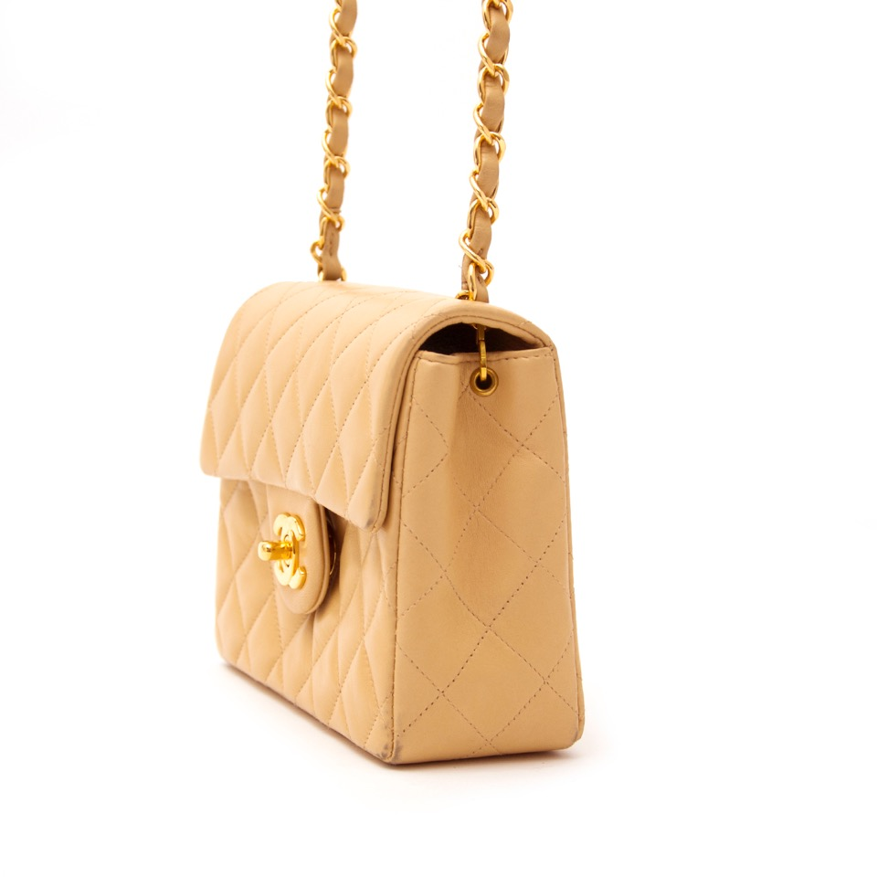 741a7ee629f4b5 Labellov chanel ○ Buy and Sell Authentic Luxury