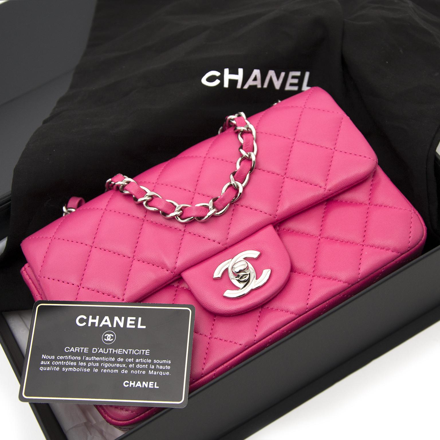 koop tweedehands designer tassen aan de beste prijs Chanel Candy Pink New Mini Classic Flap Bag