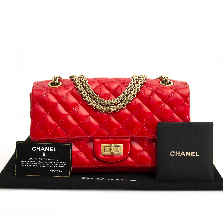 koop veilig online tegen de beste prijs Chanel Patent Red Quilted Accordion Reissue 2.55 Flap Bag