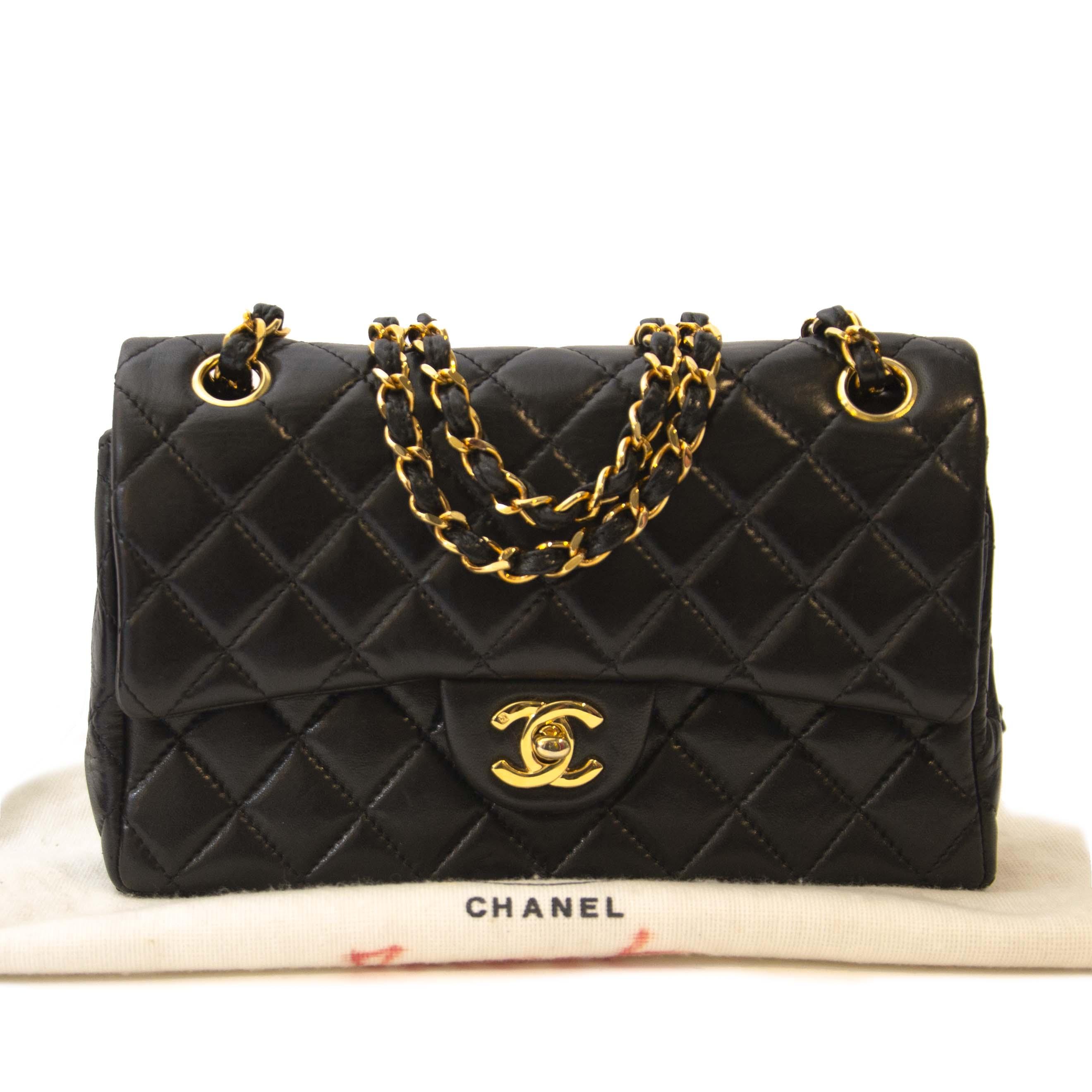 f8067afecaf0 ... koop veilig online tegen de best prijs Chanel Vintage Black Small  Classic Double Flap Bag