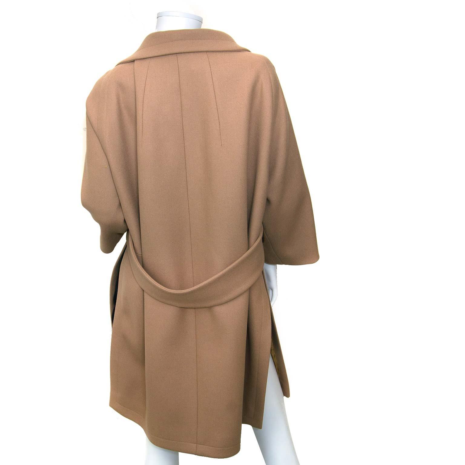 achetez Chloé Camel Coat - Size 38 chez labellov
