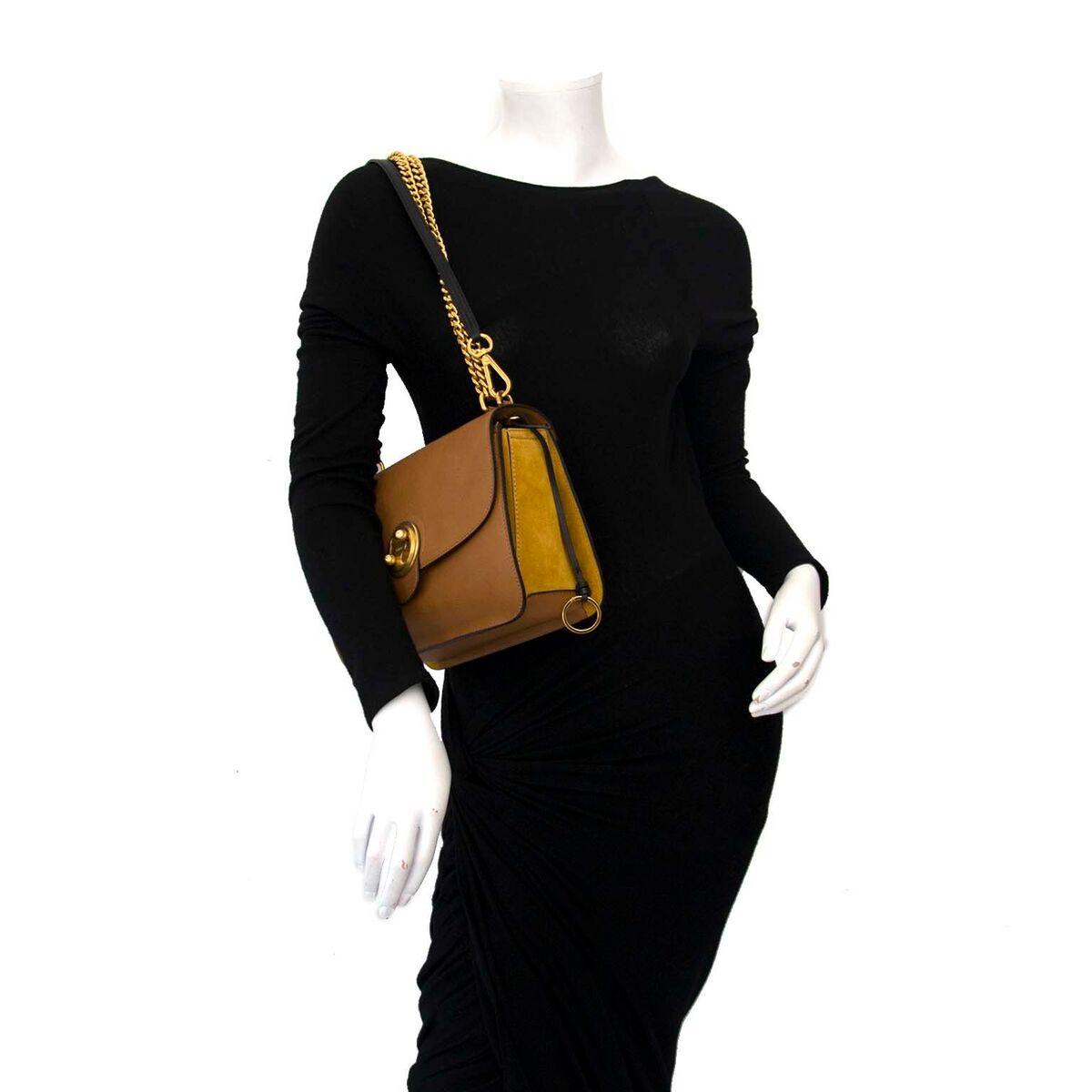 1ea6652de9 Safe Koop authentieke tweedehands Chloé tas aan een eerlijke prijs bij  LabelLOV. Veilig online shoppen.
