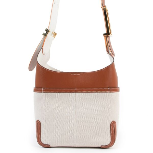 Shop safe online at Labellov in Antwerp this 100% authentic second hand Delvaux Beige So Cool Mini Crossbody Bag