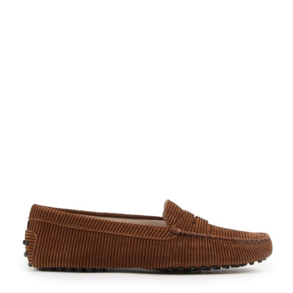 Tod's Gommino Suede Loafers for the best price at Labellov secondhand luxury