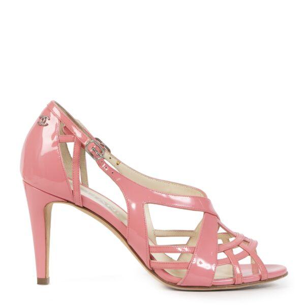 Authentieke Tweedehands Chanel Pink Patent Leather Strappy Sandals - Size 37,5 juiste prijs veilig online shoppen luxe merken webshop winkelen Antwerpen België mode fashion