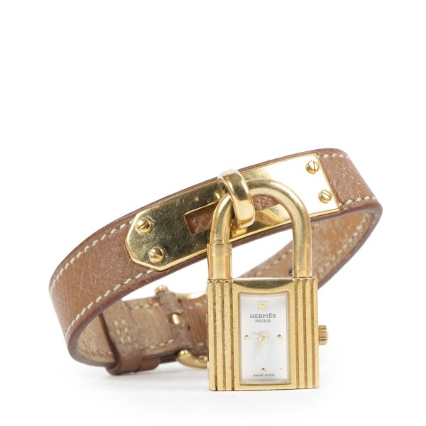 Hermès Kelly Gold Watch available for the best price at Labellov secondhand luxury