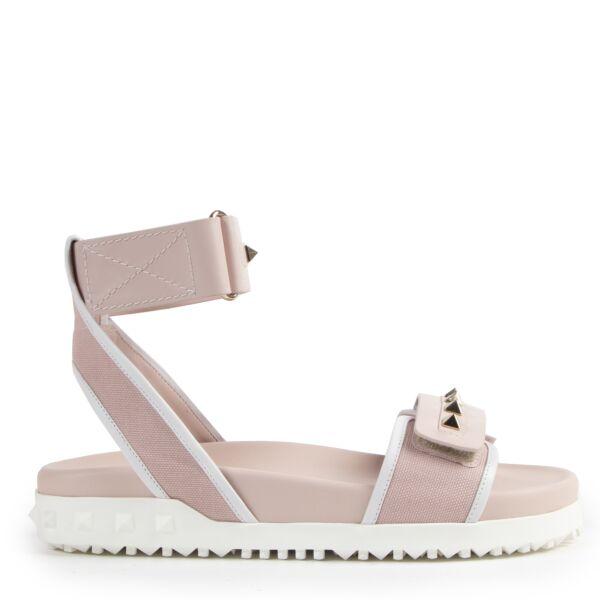 Valentino Garavani Rockstud Pink Sandals for the best price at Labellov secondhand luxury
