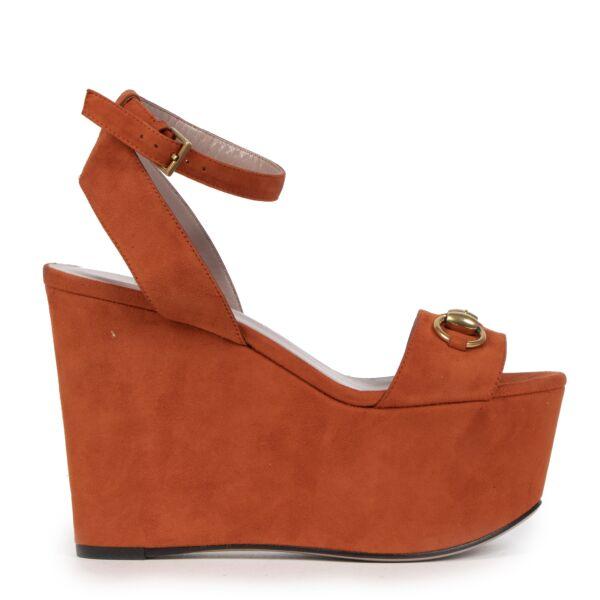 Authentieke Tweedehands Gucci Orange Suede Wedges Size 35 juiste prijs veilig online shoppen luxe merken webshop winkelen Antwerpen België mode fashion