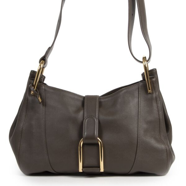 Buy authentic secondhand Delvaux bags at the right price at LabelLOV vintage webshop.