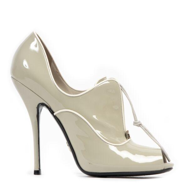 shop safe online Gucci Grey Patent Leather Heels - Size 38,5