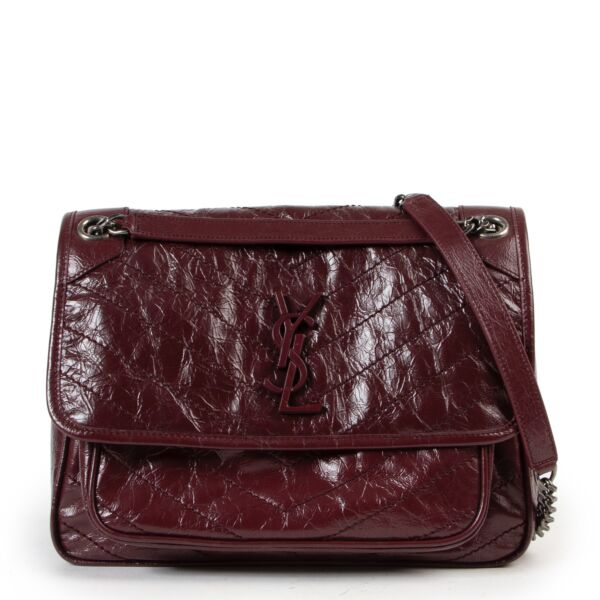 Shop safe online an authentic Saint Laurent Burgundy Crossbody in very good preloved condition and at the right price at Labellov.com.