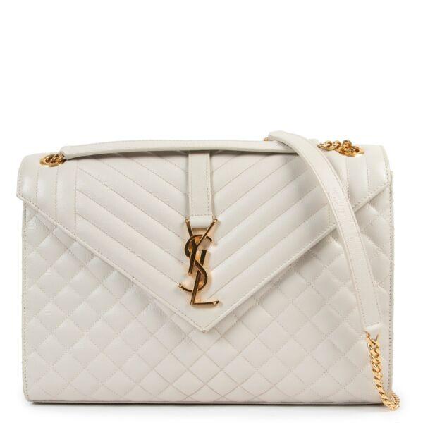 Shop safe online at Labellov in Antwerp this 100% authentic second hand Saint Laurent White Envelope Large Shoulder Bag