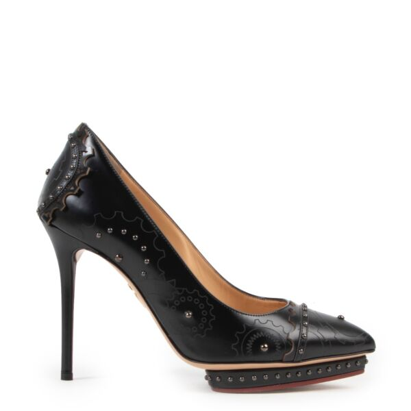 Buy authentic secondhand Charlotte Olympia Black Mechanical Debbie Pumps in size 38 at the right price at Labellov vintage webshop.