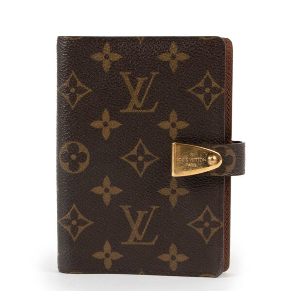 Shop safe online at Labellov in Antwerp this 100% authentic second hand Louis Vuitton Monogram Canvas Agenda Cover