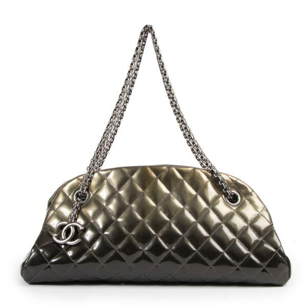 Authentieke Tweedehands Chanel Gold Quilted Patent Leather Mademoiselle Bag juiste prijs veilig online shoppen luxe merken webshop winkelen Antwerpen België mode fashion