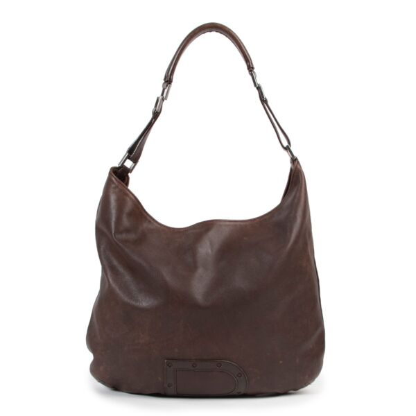 Buy and sell your authentic designer bags such as this Delvaux Brown Le Louise Tote Shoulder Bag online or in store at Labellov secondhand luxury in Antwerp.
