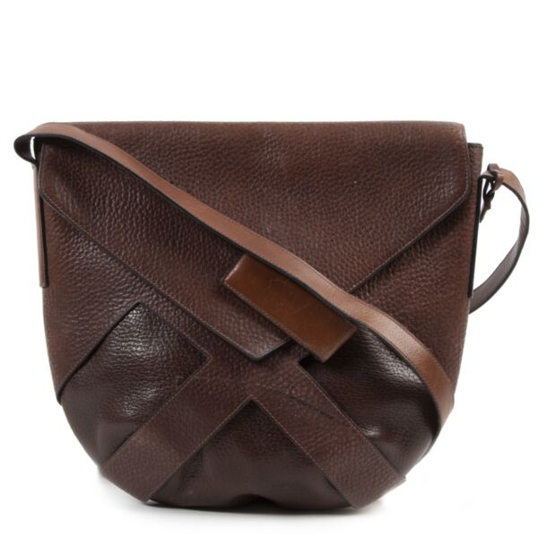 Shop safe online at Labellov in Antwerp this 100% authentic second hand Delvaux Brown Leather Flap Bag Crossbody
