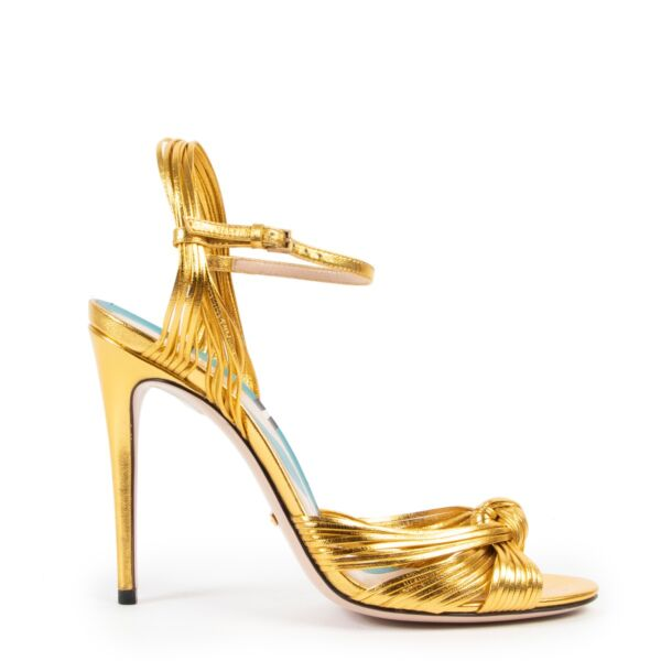 Shop safe online at Labellov in Antwerp these 100% authentic second hand Gucci Gold Pumps - Size 38,5