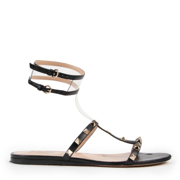 Shop safe online at Labellov in Antwerp these 100% authentic second hand Valentino Black Rockstud Sandals - Size 38,5