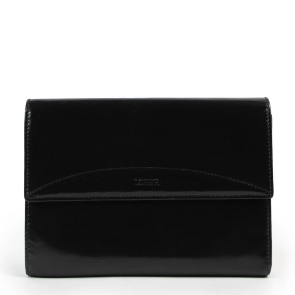 Shop safe online at Labellov in Antwerp this 100% authentic second hand Loewe Black Wallet