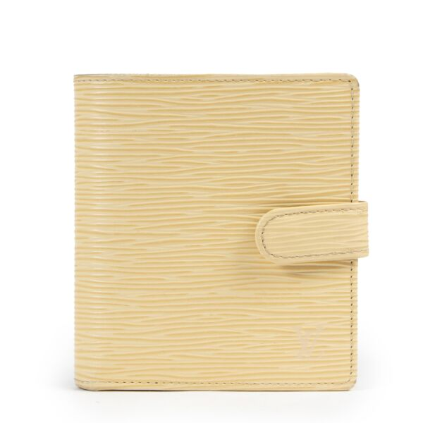 Louis Vuiton Cream Epi Wallet for the best price at Labellov secondhand luxury