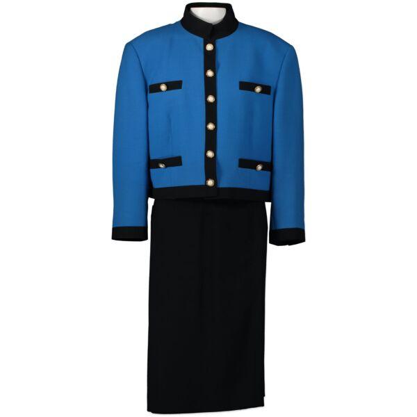 Louis Féraud Blue Skirt And Jacket Set te koop aan de beste prijs bij Labellov
