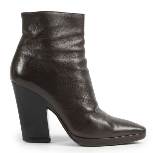 Prada Brown Leather Ankle Boots for the best price at Labellov secondhand luxury in Antwerp Belgium.